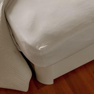 Sábana bajera ajustable blanca. 50/50 Algodón 120gr/m2