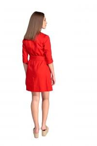 Bata de trabajo, manga francesa y cinturón delante. Color rojo
