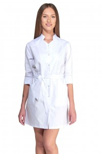 Bata de trabajo, manga francesa y cinturón delante. Color blanco